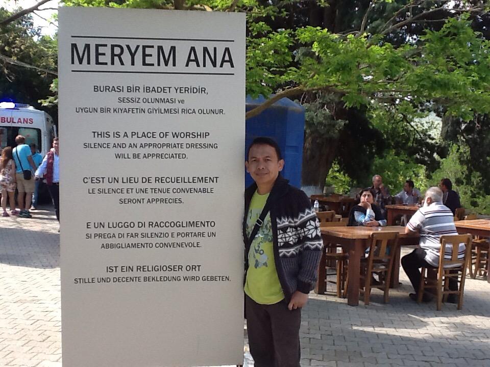 Tour Guide Semaput di House of Virgin Mary (Liburan di Turki#7)